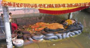 budhanilkanta-vishnu-dormiente, l'ecquilibratore