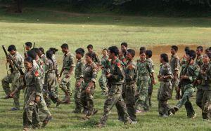 militari maoisti