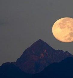 luna-sull himalaya