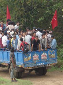 maoisti in nepal dai villaggi