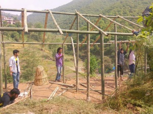 shelters,  nepal, terremoto nepal, volontari al lavoro nepal